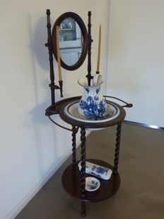Four-piece wash basin set in Delfsart after Delft blue pottery with its corresponding stand, mirror and candle holders - 1950