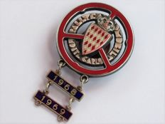 Rare Rallye Monte Carlo competitor lapel badge with yearbars 1968 - 1969