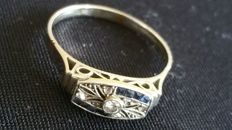 Gold women's ring, 14 kt white gold with sapphire and diamond, early 1900s