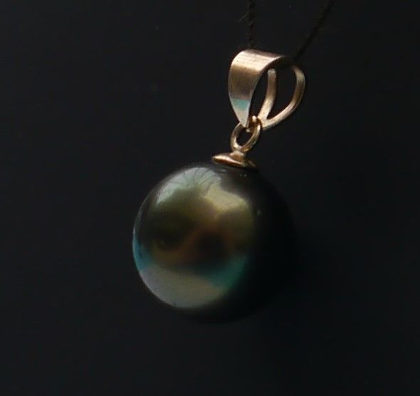 14 kt gold pendant with Tahitian pearl, perfectly round (9.3 mm) ***No reserve***