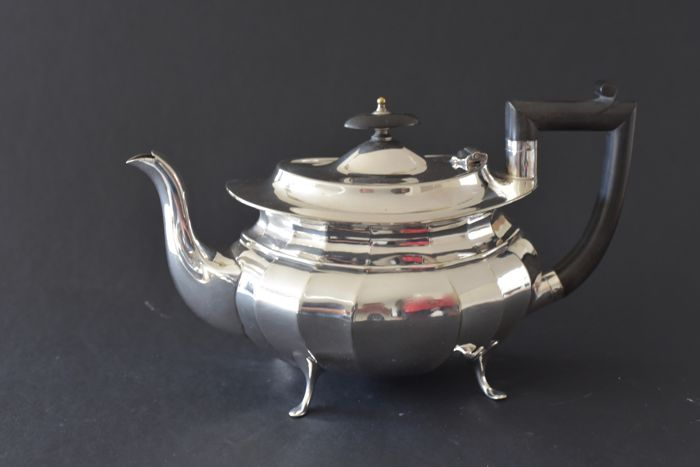 Very high quality silver plated tea/coffee pot from England, Sheffield, Art Deco
