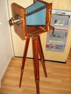 Antique wooden travel camera 18x13 bellows camera, plate camera with cassette, tripod, canvas bag