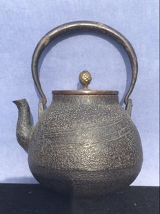 An antique Tetsubin (Japanese water kettle) - Japan - circa 1900 (Meiji period)