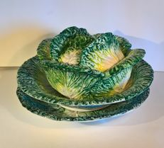Soup tureen with cabbage leaves and cover with double plate and high workmanship exposure - manufacture: Ceramica d'Este (PD)