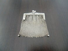 Silver chain link purse, Germany - late 19th century.