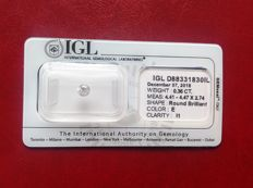 Brilliant cut diamond weighing 0.36 ct, colour E, clarity I1, sealed with certificate.
