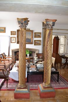 2 columns of carved and painted wood, seventeenth or eighteenth century