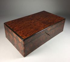 Solid thuya-burl document chest with rosewood parqueterie -France - 2nd half 19th century