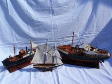 3 Wooden model boats, Chalutier, le Forcat [fishing boats] & the Blue Nose model sailing boat