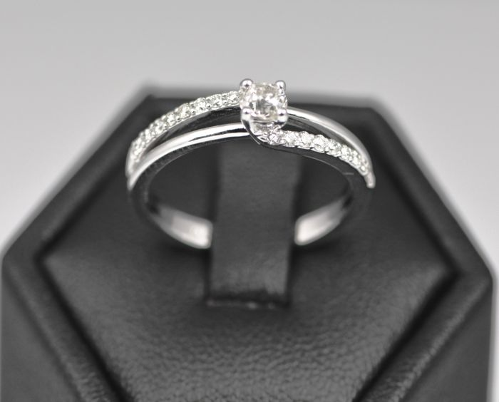 14k White Gold 0.44ct Diamond Cluster Ring