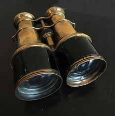 A vintage brass pair of binoculars for land or maritime - 16 cm high - Iris Paris - France, mid-20th century