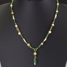 Necklace with Roman glass and shell beads, including jewellery box