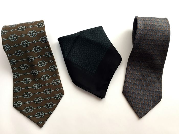 Hermès - Pocket Square and 2 Ties **No minimum price**