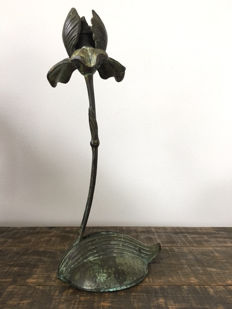 Particular bronze candlestick from the Art Deco period