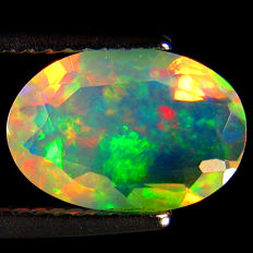 Opal oval cut - 10.8 x 7.4 x 4.7 mm - 1.64 ct