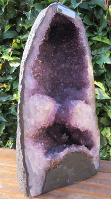 Exceptional fine Amethyst geode with Calcite- 380 x 200 x 155 mm - 11.60 kg