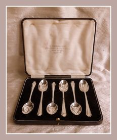 Sterling silver set of six Art Deco tea/coffee spoons in case, David Birch, London, 1930