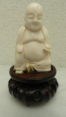 Ivory Buddha on stand - China - around 1930