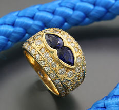 Sapphire brilliant ring totalling 3.67 ct, of which 1.64 ct of brilliants, 750 gold, 10.5 g *NO RESERVE*