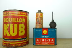 Tin boxes in very good condition.