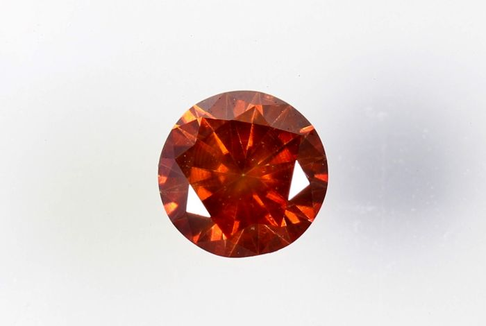 Vivid orange diamond - 0.17 ct - (Colour treated) - Without reserve price
