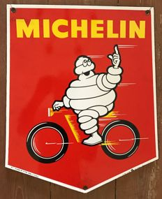 "Old enamelled plate ""1966"" MICHELIN 45X38CM"