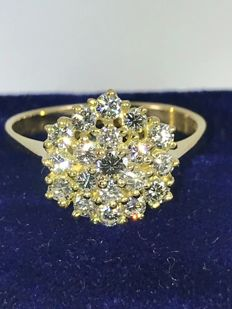 Cluster floral 1,00ct diamonds G-vvs1 18k gold ring - size 52