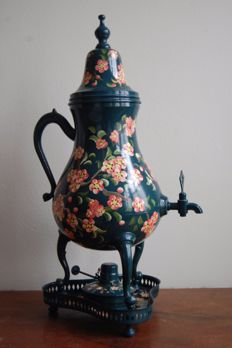 A droppelmina or jug with tap - Hand-painted Tin - the Netherlands - 1930s