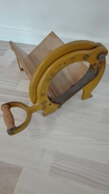 Old Raadvad Breadslicer model 294