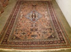 Beautiful with animal patterns hand-knotted Persian carpet, Iran, 20th century, 282-195 cm.