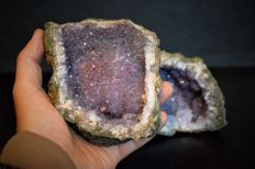 """Fine Amethyst Geode with """"Stalactitic"""" crystals - 10 x 11 cm - 1,5 kg (2)"""