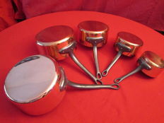 "Set of 5 pots in red copper, tin lining, origin: France French manufacturing ""professional"" quality, new, has never been used..."