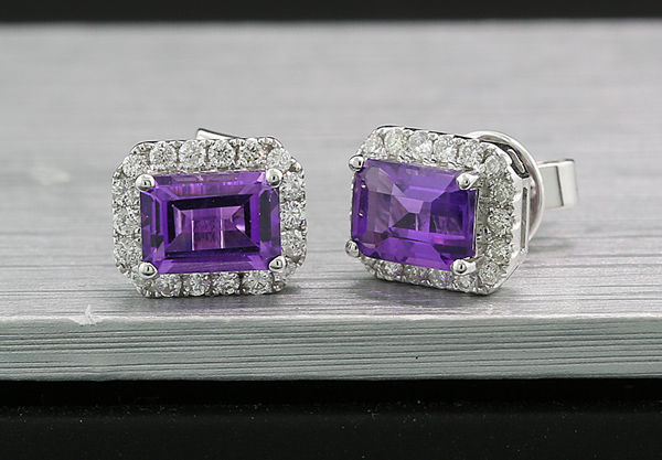 A pair of amethyst brilliant stud earrings approx. 2.10ct, 750 white gold ---no reserve price---