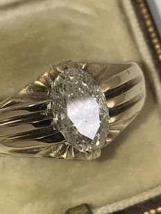Vintage gold ring with ca. 2,04 ct large diamond in marquise cut