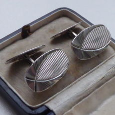 Couple of Dutch silver cufflinks in Art Deco style, early 1900