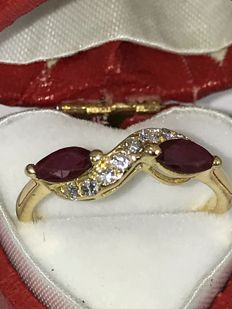 crossover Ruby's and diamonds 0,15ct diamonds approx  18k gold ring size 53