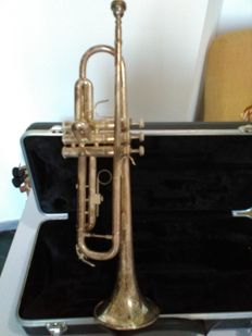 Vincent Bach Prelude model trumpet in b flat - silver plated with case of ABS