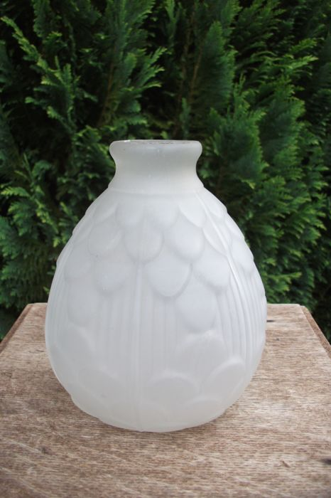 JOMA - Opalescent glass vase with floral motifs - Art Deco