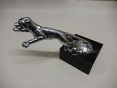 Vintage Original 1930 Chrome Jaguar SS Mascot by Desmo in Excellent Condition Mounted on Marble Base