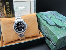 2003 ROLEX SUBMARINER 16610 BLACK BEZEL FULL SET WITH BOX AND PAPER