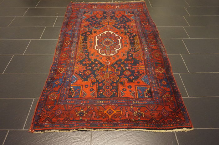 Old Persian carpet Bidjar 125 × 235 cm Made in Iran with natural dyes