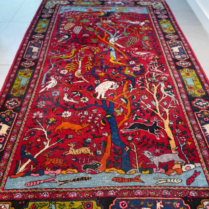 Special antique, decorative animal kingdom Keshan Persian carpet - 210 x 132 - collector's item