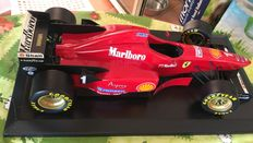Paul's Model Art - Scale 1/8 - Ferrari F310/2  #1 - Michael Schumacher