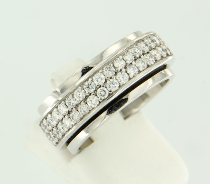 18 kt White gold ring with rotatable middle piece set with 72 brilliant cut diamonds approx. 2.00 carat E-F VVS-VS - size 17.5 (55)