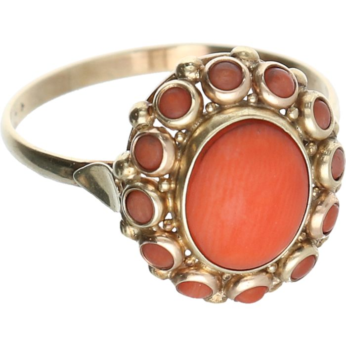 14 kt - Yellow gold ring set with precious coral - Ring size: 19 mm