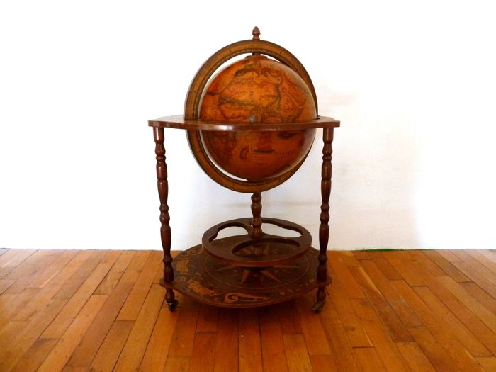 Large globe bar with old world map