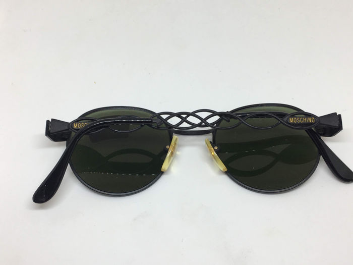 f08d194ad365a6 Calligrapher Edition Sun Source · Moschino by Persol Sunglasses Ladies  Catawiki