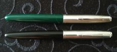 Parker 21 fountain pens - black and green - vintage