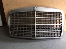 Old grill of a mercedes benz