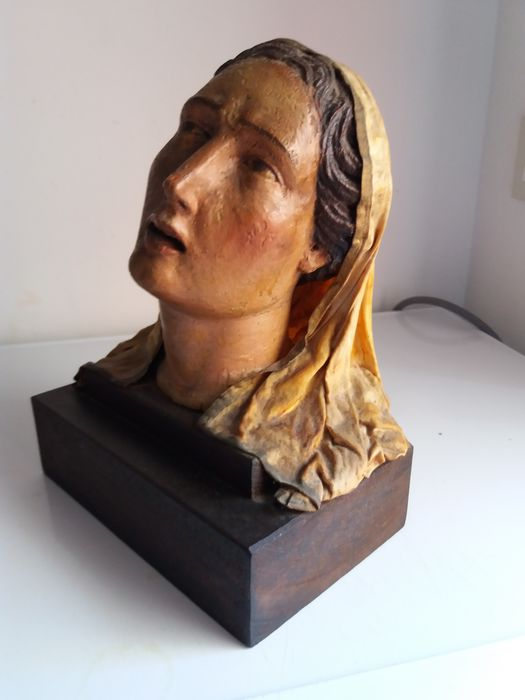 Immaculate Virgin, wooden bust with papier-mâché veil - Sicily - early 18th century